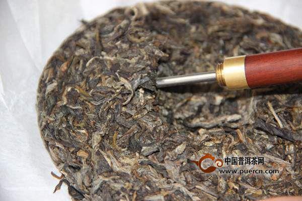 笔者专门做了一次实验,将各种撬茶工具,各种形制的普洱茶饼,沱茶,砖