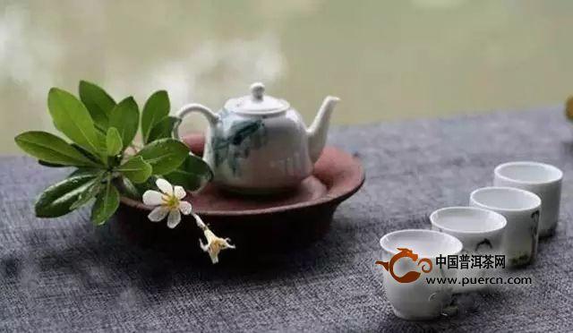 如何配置一个简单的茶席?