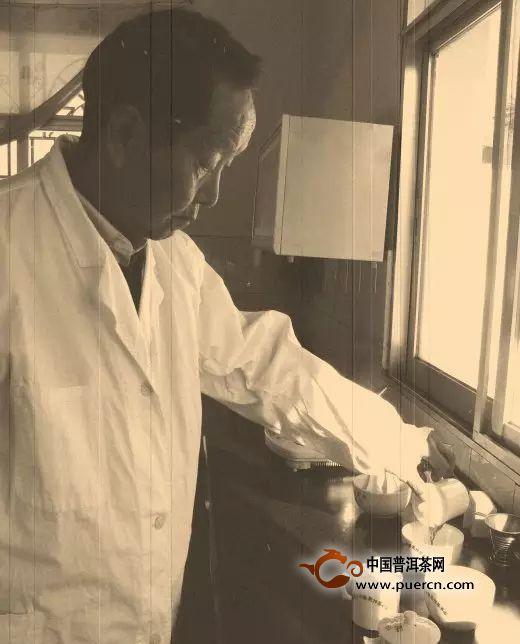 邹炳良:一代beplaysports下载宗师60年制茶的传奇故事