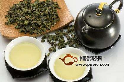 乌龙茶的产生,还有些传奇的色彩,据《福建之茶》、《福建茶叶民间传说》载清朝雍正年间,在福建省安溪县西坪乡南岩村里有一个茶农,也是打猎能手,