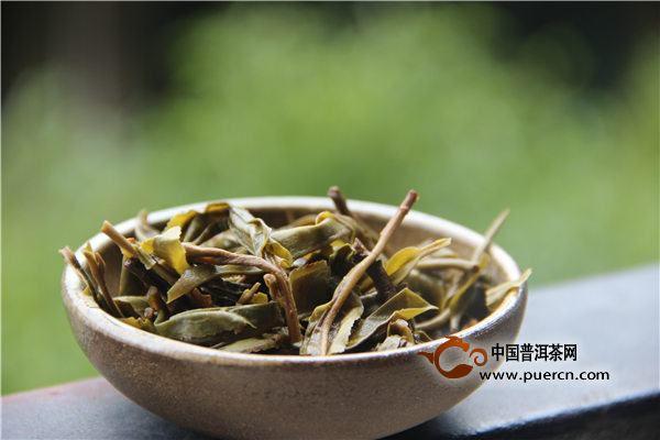 秋茶饮用养生小知识