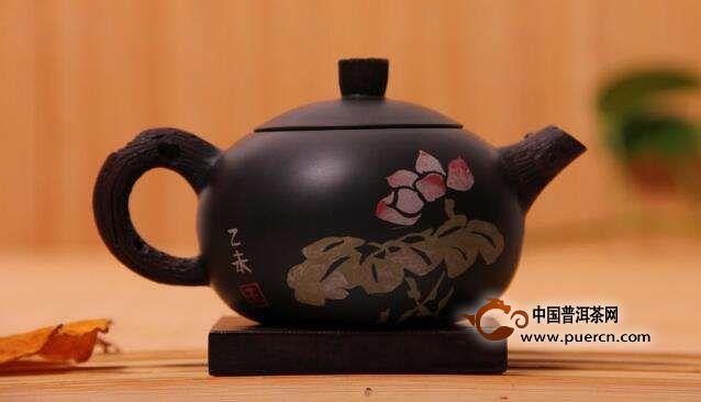 建水紫陶和紫砂泡普洱茶口感上有什么区别?