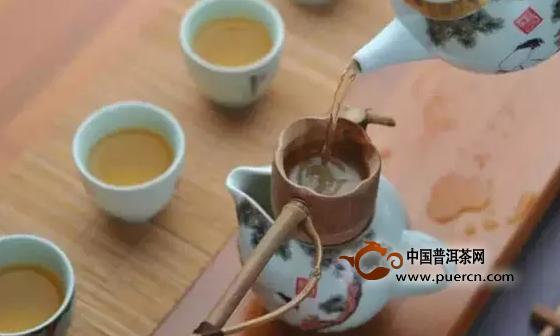 亚博 APP为什么越来越多的人喜欢买茶叶送礼?.