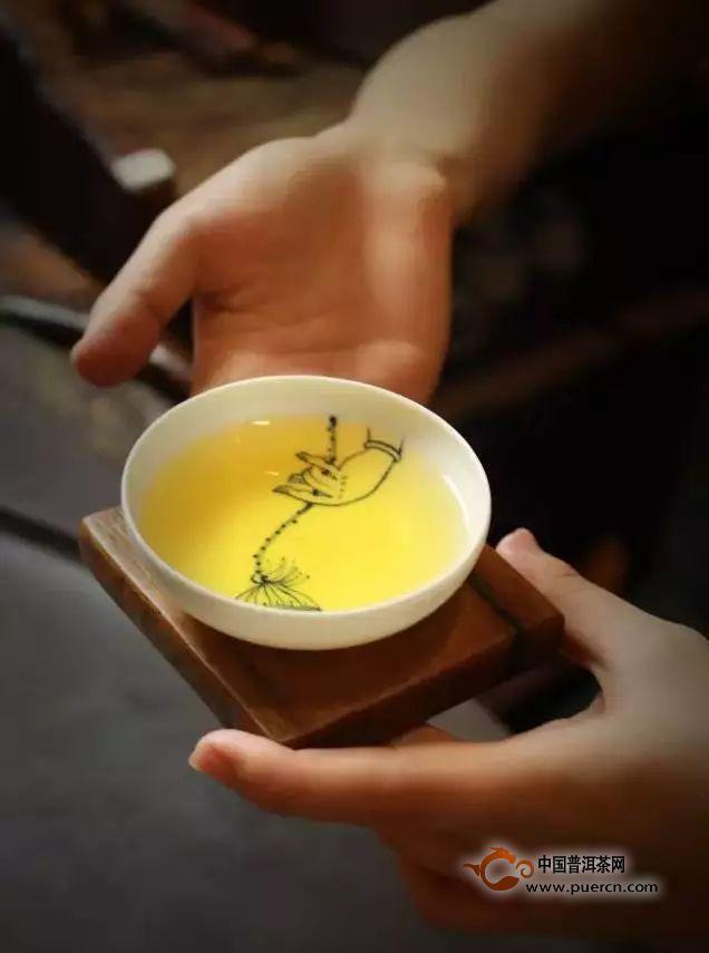 泡杯茶,应酬自己