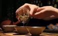 """冲泡普洱老茶前的重要环节——""""醒茶"""""""