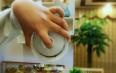 泡茶盖碗如何选择?如何拿盖碗才正确?