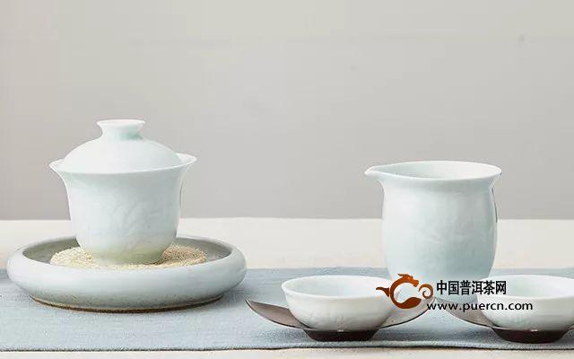 瓷器和陶器哪个泡茶更好?