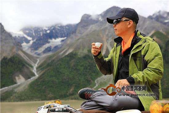 野外喝茶香更浓