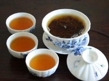 红茶用多少度水温冲泡最好?