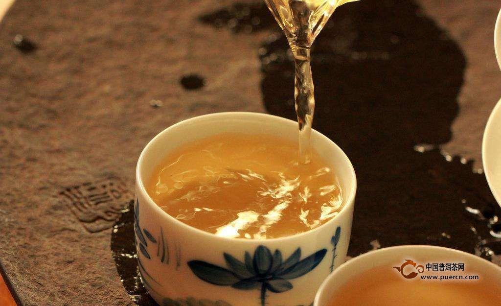 喝普洱茶的人都会察言观色