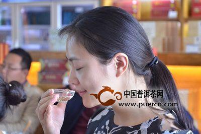 喝茶时怎样捕捉茶的灵味和韵味?