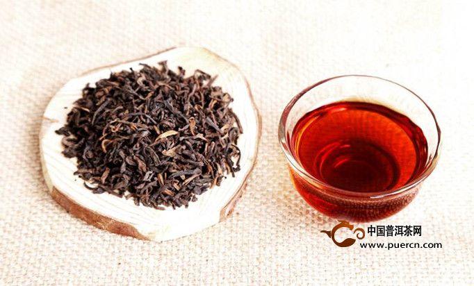 普洱茶独特的发酵过程在饮用后,可以提高酵素分解腰腹部脂肪的功能
