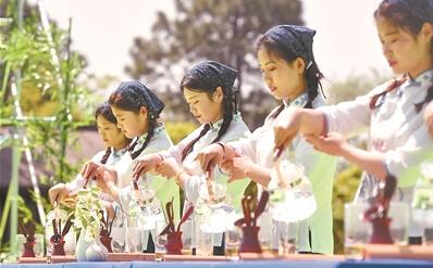 句容举办中国首届茅山长青茶文化节