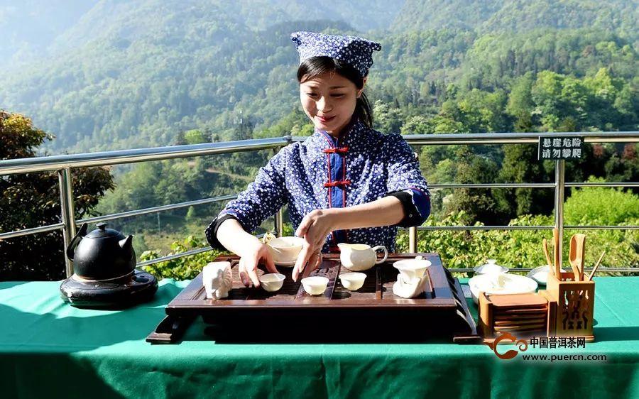 喝西湖龙井该怎么倒茶?