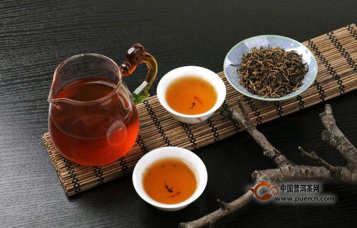 如何鉴别红茶是否染色?