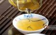 为何泡同一款普洱茶,有的人泡很浑浊,而有的却澄黄透明?