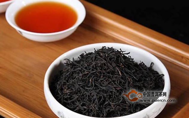 正山小种与祁门红茶的香气有什么区别?