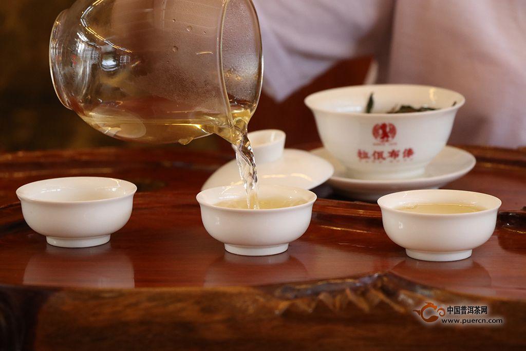 传统泡茶与倒茶方法