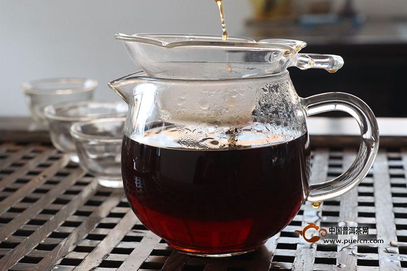 亚博 APP喝普洱茶生茶降脂好还是熟茶好.
