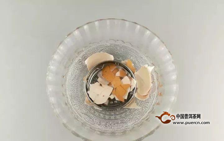 茶垢清洗的妙招,一分钟让茶杯光亮如新!