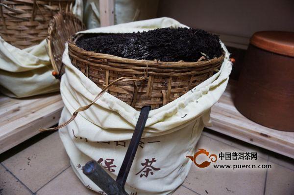 老茶(普洱老茶、六堡老茶)是素日里的温厚锦华