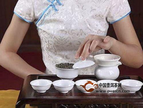 冲泡绿茶的水温到底多少度最合适