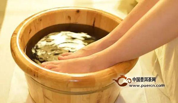 茶叶水泡脚的功效与作用
