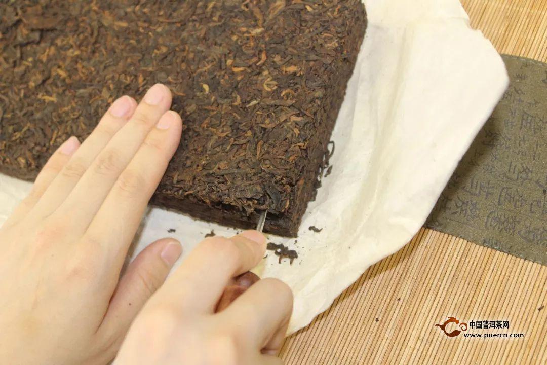 手把手教你怎么撬普洱茶砖