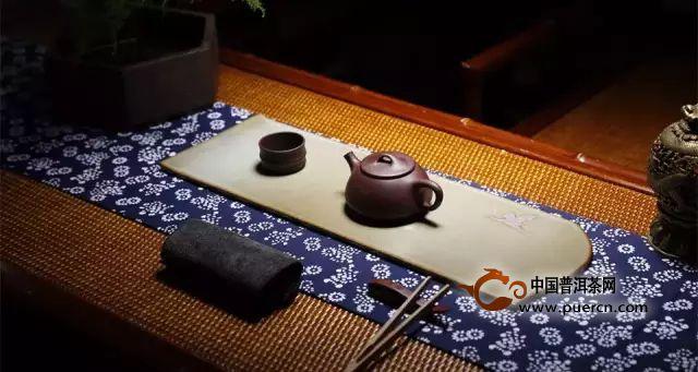 干泡法:据说这是时下最流行的泡茶方法