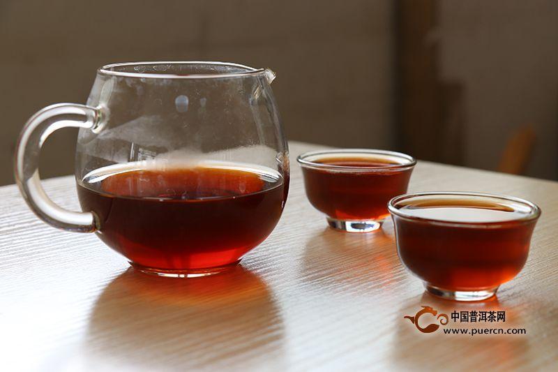 普洱熟茶的冲泡要领和步调