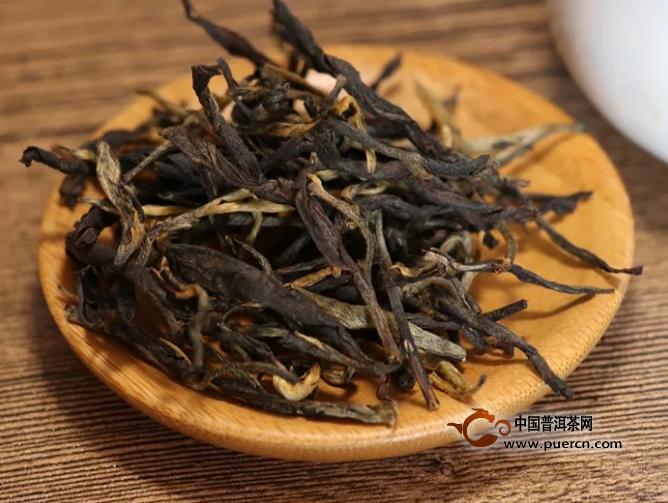 怎样挑选红茶?这四个简单的动作能帮你!
