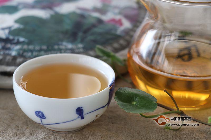 喝普洱生茶好还是熟茶好