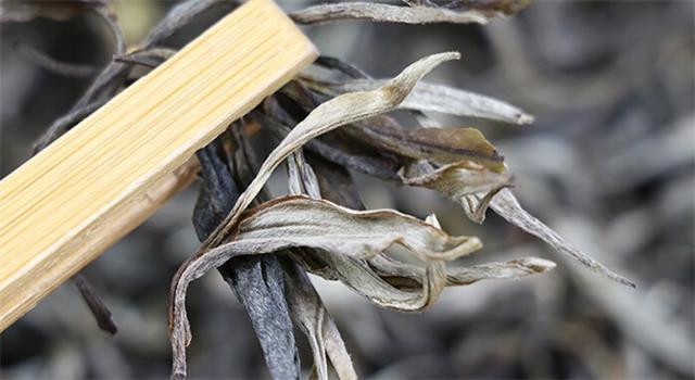 凤爪加普洱茶不一样的味道