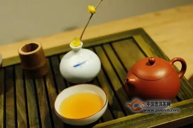 紫砂壶的紫泥、朱泥、段泥分别适合泡什么茶?