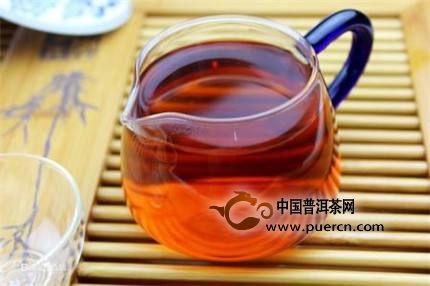 老人冬天多喝红茶可补充铁?