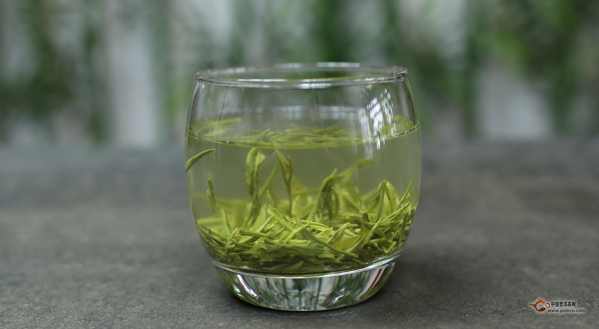 庐山云雾茶的泡法步骤1,烫杯   泡茶前烫杯,云雾茶的泡制方法也别