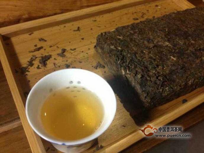 四个步骤教你辨认黑茶是否发霉!