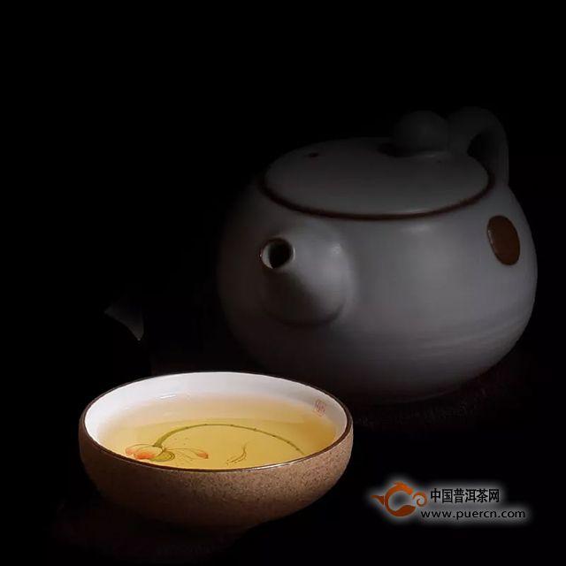 普洱茶冲泡,如何注水?