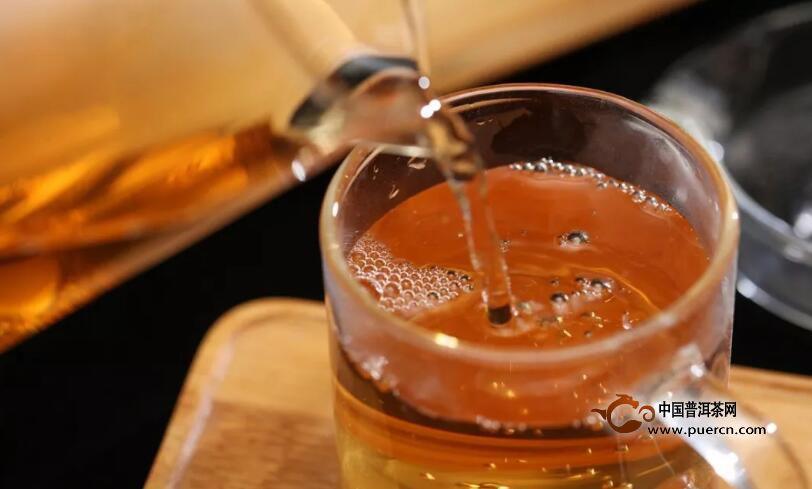 鲜叶本就绿,为何茶叶会有红茶和绿茶之分?