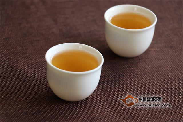 秋季为什么选择喝老白茶?