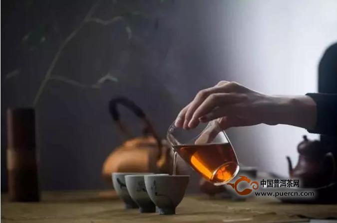 深秋宜喝红茶,这些红茶养生知识送给你!
