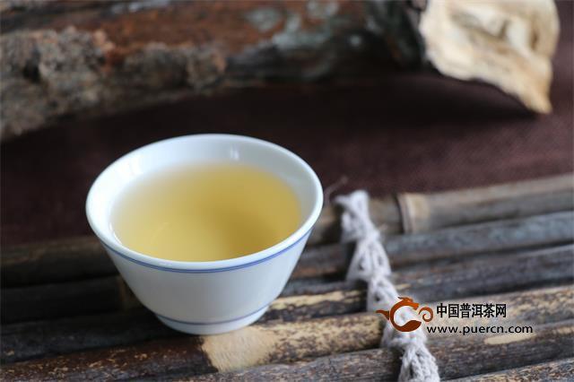 亚博体育 APP生茶和熟茶, . 哪个对减肥更有效? .