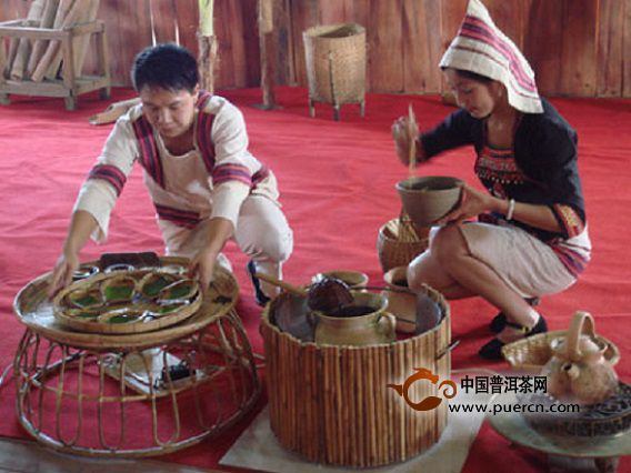 基诺族的饮茶习俗,凉拌茶和煮茶