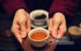 """最基本茶礼仪:为什么说""""茶满欺人""""?"""