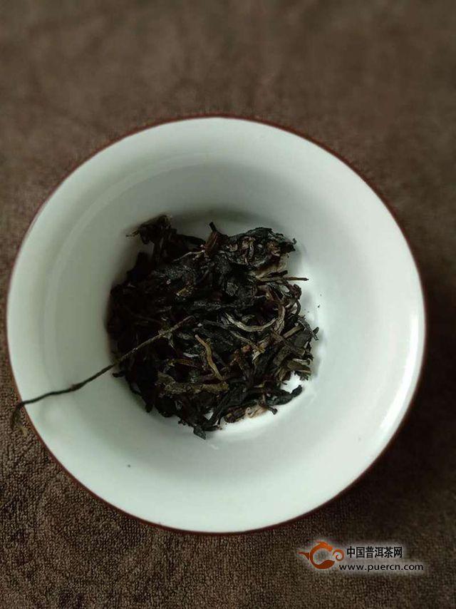 瑞贡天朝,起起伏伏如杨花|2018年兴海茶业易武生态乔木生茶357克试用评测