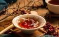 样品与普洱茶饼的口感有何差异?