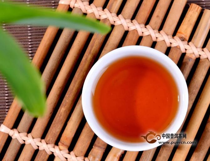 普洱茶分生熟,新手如何选择适合自己的茶?