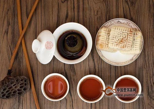润元昌茶业:喝茶配茶食,才足够惬意。