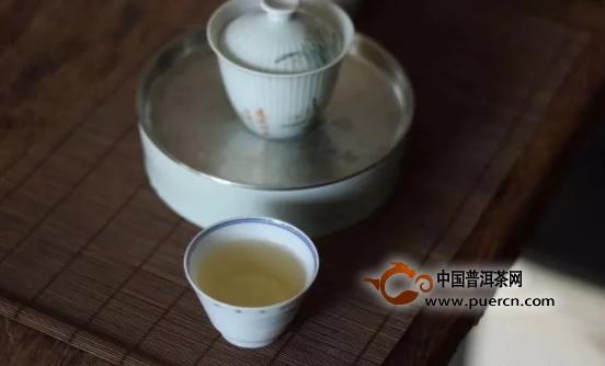 凤凰单丛与武夷岩茶的功力谁更厉害