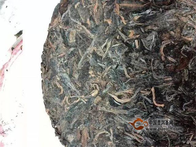 如何分辨茶叶的发霉、金花、白霜?